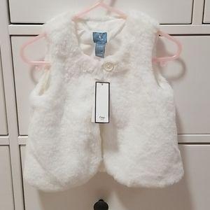 ❤3/$45 NWT Baby Gap faux fur white vest sz. 18-24m